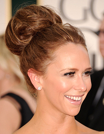 Knold, Jennifer Love Hewitt